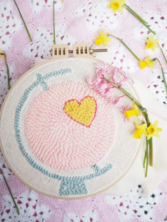 DIY Trend, Punch Needle, Globus mit Herz