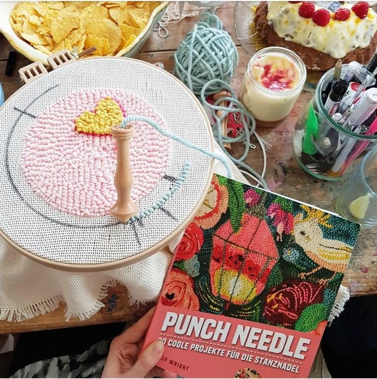 Buchrenzension Punch Needle, D. K. Wright, Oxford Punch Needle, Stiebner Verlag