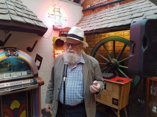 Orienteering-and-Joes-Yarns-at-Smokey-Joes-Cheltenham-2-Gloucestershire