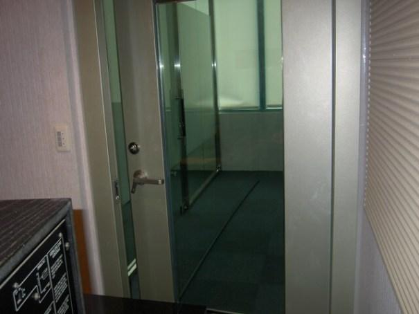 錄音室裝潢-複層加壓式玻璃隔音門