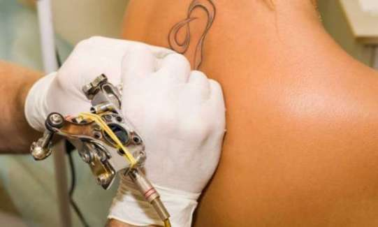 dövme yerine kalıcı makyaj