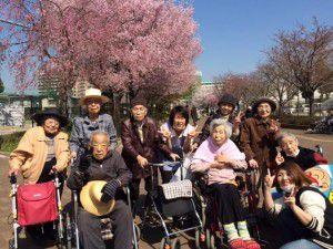 20150403学園もお花見に行ってきました!