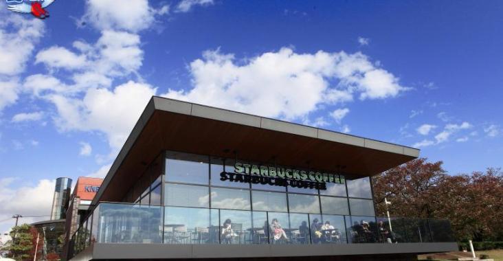 日本第一美的星巴克-富山環水公園店 @YA !野旅行-玩樂全世界