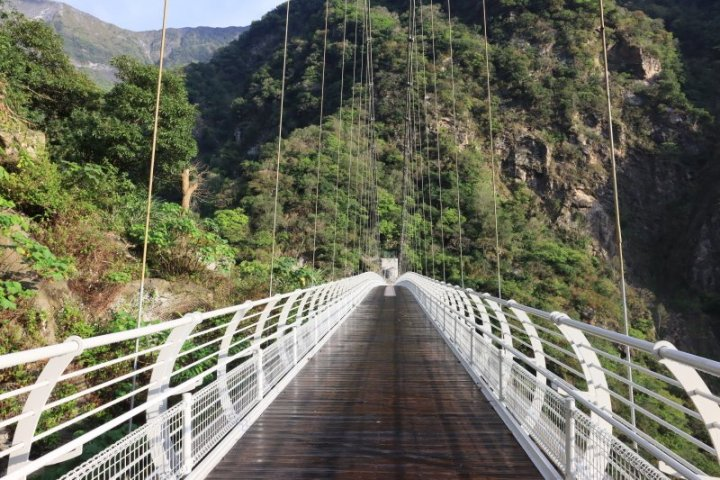 太魯閣布洛灣山月吊橋將於109年8月12日啟用  試營運期間採網路解說預約 @YA !野旅行-玩樂全世界
