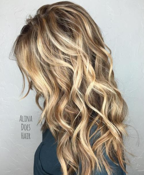 Curly large curls hairstyle cascade