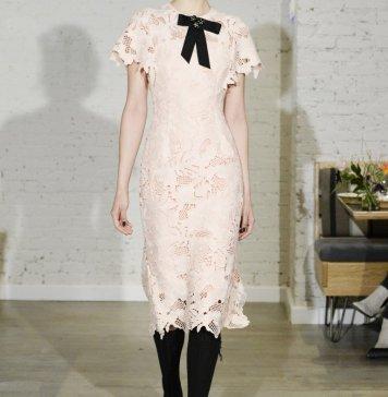 Кружевные платья 2018 фото модных моделей