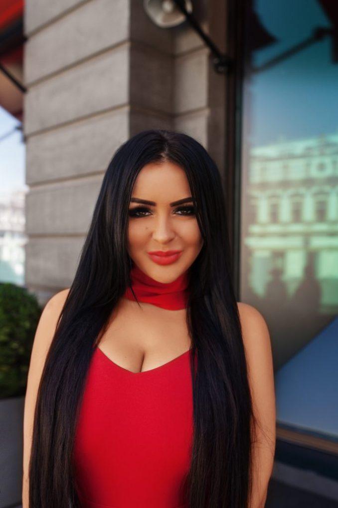 Anika Kerimova, designer