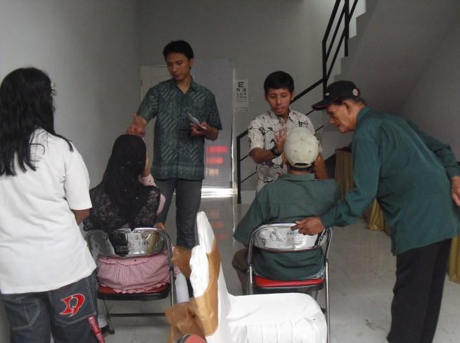 Baksos di WestPoint Surabaya-15 Jan'12