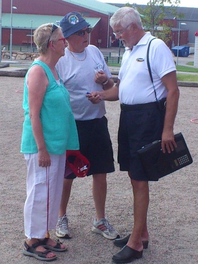 Borås Tidnings Lennart Odén fick göra en segerintervju med Anita och Egon från Hökerum Boule.