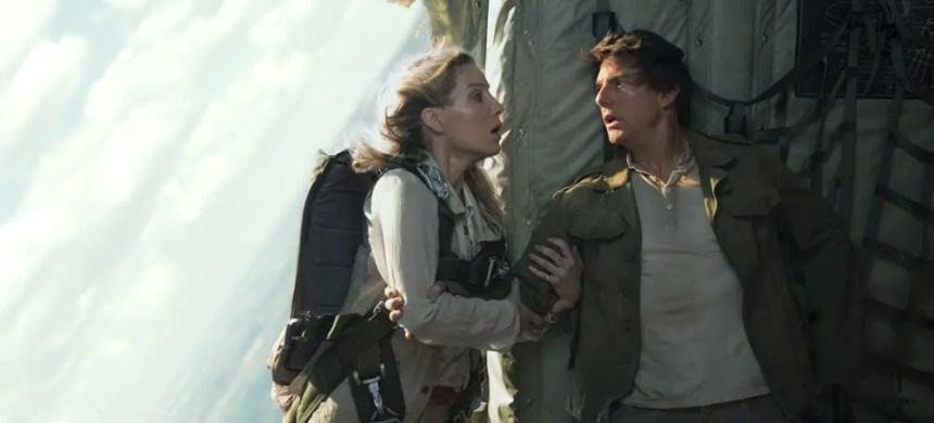 Tom Cruise, Annabelle Wallis in The Mummy