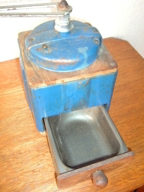 moulin a cafe peugeot bleu