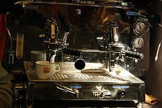 Comment fonctionne une machine à café expresso ?