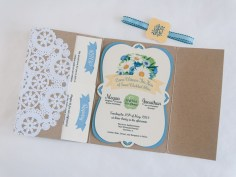 The doily continues inside and accents the pocket holding the RSVP and Registry cards.