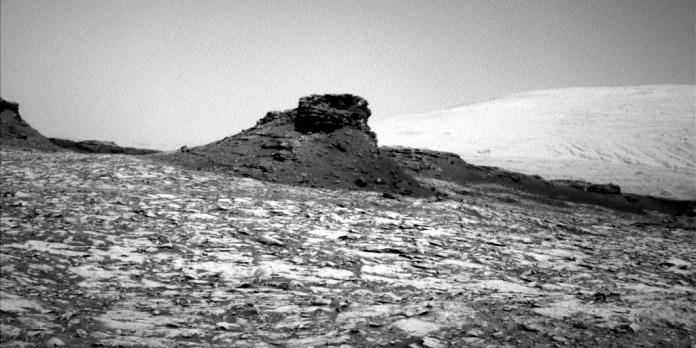 המבצר על הגבעה בכוכב הלכת מאדים