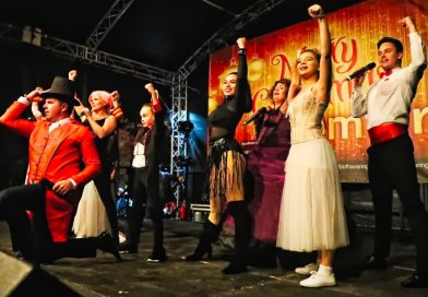 Spectacular switch on for Romford Christmas lights