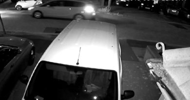 Police searching for taxi driver who may be key witness in Ilford shooting