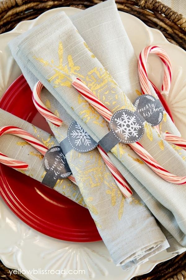 Christmas Table And Free Printable Chalkboard Napkin Rings