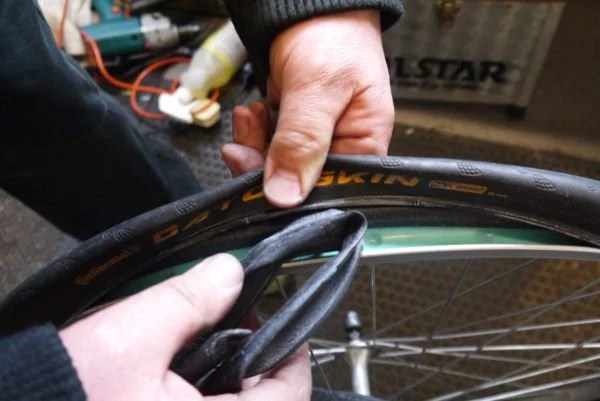 fig 7 600x401 - How to Change a Bicycle Inner Tube