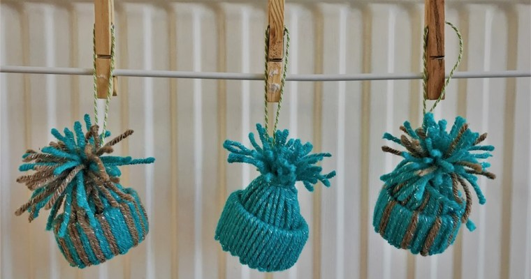 Yarn Winter Hat Christmas Ornament | #25DaysofOrnaments | Christmas Project 2017