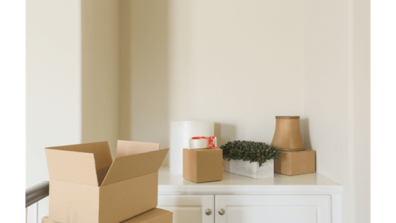 Moving: Take the Stress out of Packing || Why make packing to move stressful? Here you will find useful techniques that will help keep you sane during this crazy time. || Yellow Rose Life ||
