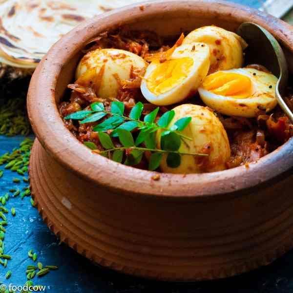 Tamil Nadu Style Egg Roast Masala - Spicy Muttai Thokku recipe
