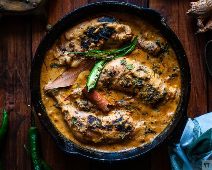 Mughlai Chicken Chaap Recipe – Whole Chicken leg pieces cooked in a rich cashew and poppy seeds paste.This Famous Bengali chicken recipe is a house favourite.