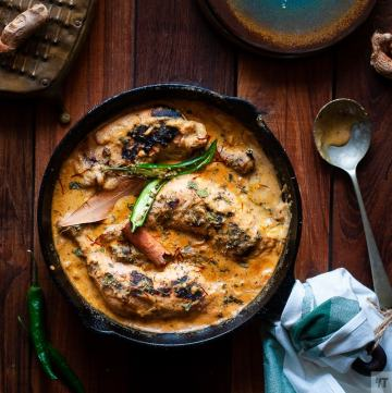 Mughlai Saffron Chicken Chaap Recipe – Whole Chicken leg pieces cooked in a rich gravy with cashew, poppy seeds and saffron #chicken #indianchicken #mughlai #saffron #chickenroast #indianchickenrecipe