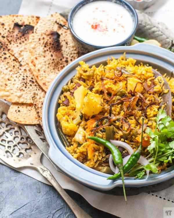 Instant Pot Vegetable Biryani - Aromatic, Flavourfull,One Pot Indian Rice dish made with Basmati rice,Vegetables and indian spices. #biryani #vegetablebiryani #rice #indianrice #instantpotrice #indianinstantpot #recipes #pressurecooker #instantpotrecipes