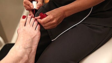 How To Get Rid Of Yellow Toenails From Using Nail Polish