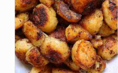 Crisp Garlic Roast Potato Recipe