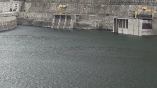 coruh-nehri-uzerindeki-3-barajda-su-seviyesi-azaldi-6869-dhaphoto4.jpg