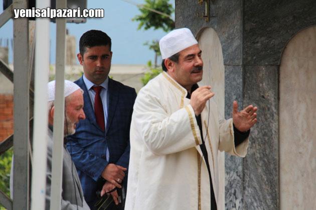 Döne Atay'ın cenaze namazını, emekli din görevlisi Fehmi Atay kıldırdı
