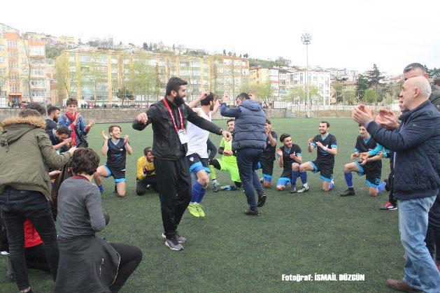 Ağasar Çepnispor, play off şampiyonluğunu işte böyle kutladı