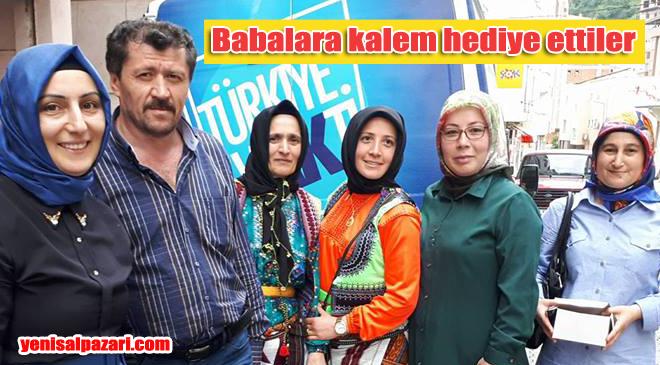 AK Parti Kadın Kolları Babalar Günü'nü unutmadı