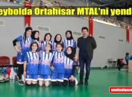 Şalpazarı ÇPAL Kız Voleybol Takımı grubundaki ilk maçında rakibini 2-1 yendi