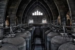 ...y aquí debajo está el cementerio indio. No toquen nada, por favor.