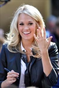 No, no estoy casada... es sólo que me gusta enseñar el anillo.