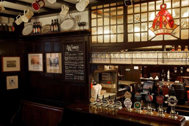 Best pubs in London_Ye Olde Mitre