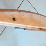 שיפוץ, חידוש ועיצוב של כסא: בדיקת הפוליטורה על העץ, במקום נסתר