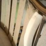 מילוי הספה - ספוג בין העץ לרצועות