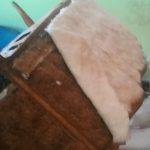 מילוי הספה - בחלק האחורי של גב הספה - מילוי דומה. ללא בד לפני בד הריפוד