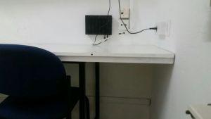 מעונות סטודנטים - הפיכת דלת לשולחן בנישה