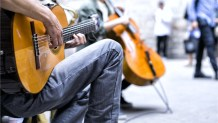 Busking for Bitcoin: Report Finds Street Performers Depend on Digital Payments