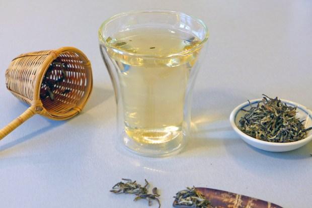 boisson d'été le thé infusé à froid