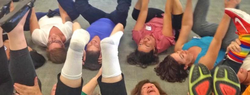 exercice yoga du rire