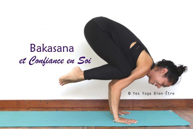 Equilibre sur les bras dans la posture du Corbeau par Sophie Yes Yoga Bien-être