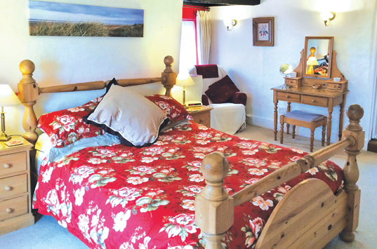 B&B-Berrow-Family-Suite-Double-Ensuite-Room