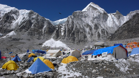 Everest-Nepal-Young7-568