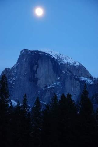 Yosemite-HalfDome-Moon-YExplore-DeGrazio-Feb2014