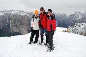 Yosemite-DeweyPoint-Snowshoe-YExplore-DeGrazio-APR2010